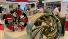 万丰奥威汽车金属轻量化部件亮相上海,高端汽车都要用到它